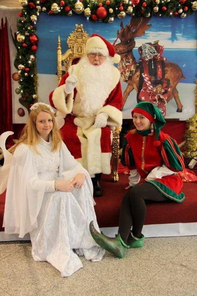 weihnachtspromotion-weihnachtsmann-elfe-und-fee